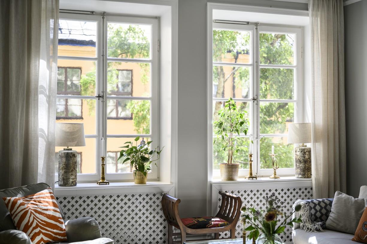 Fönster mot lugna Skillingränd Hantverkargatan 7