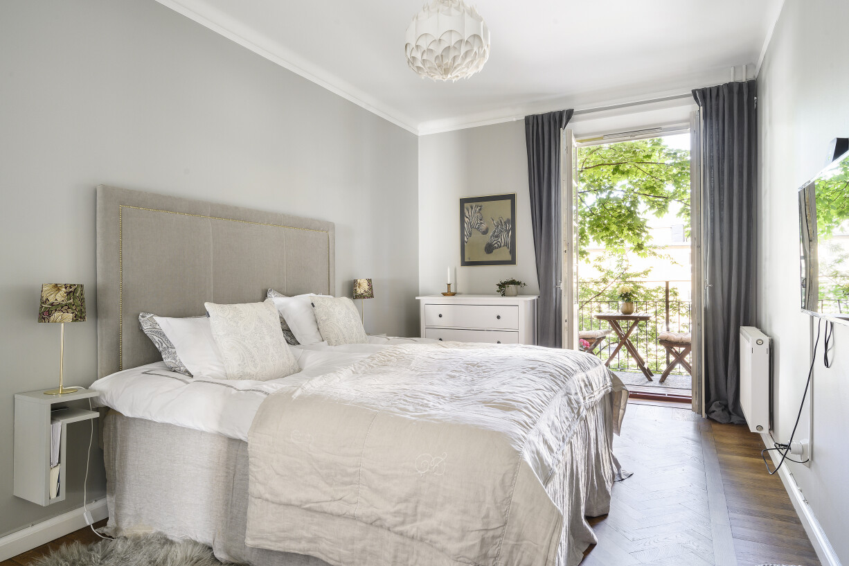 Rofyllt sovrum med balkong Hantverkargatan 7