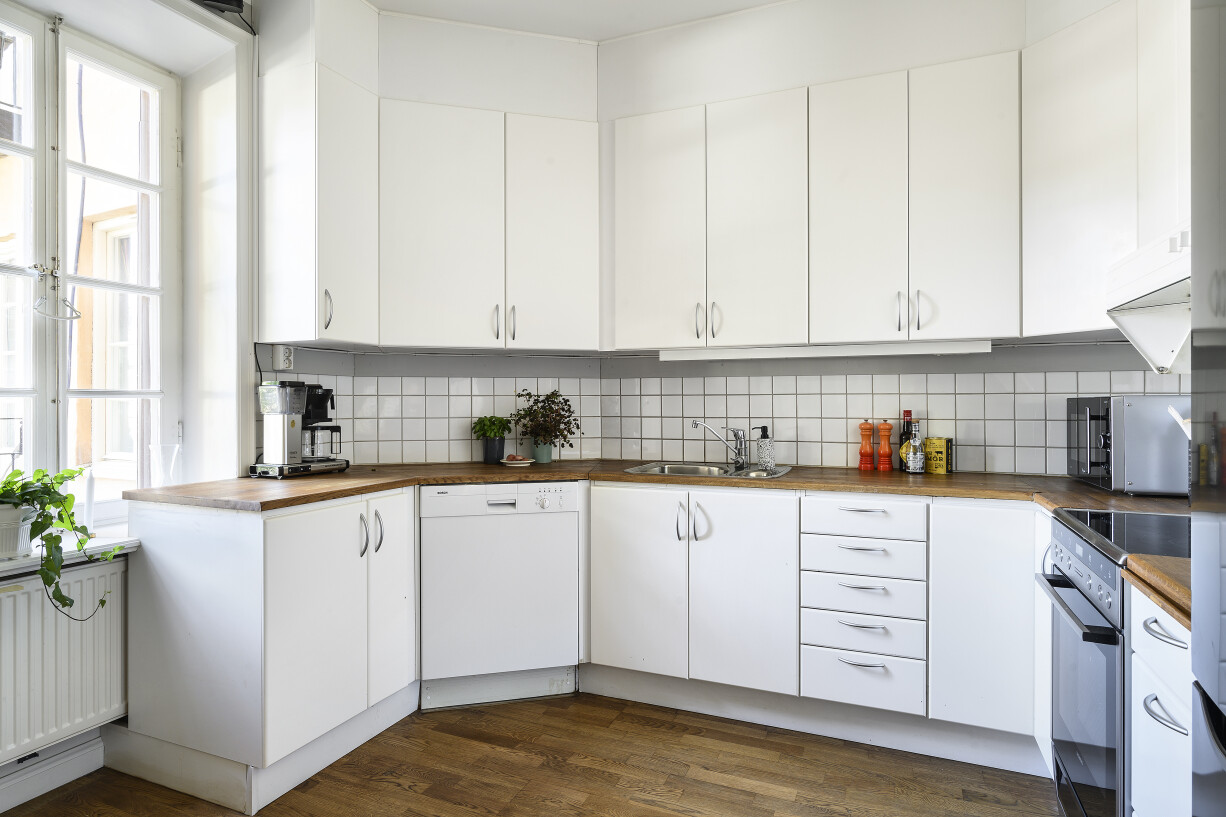 Rymligt kök med full maskinell utrustning Hantverkargatan 7