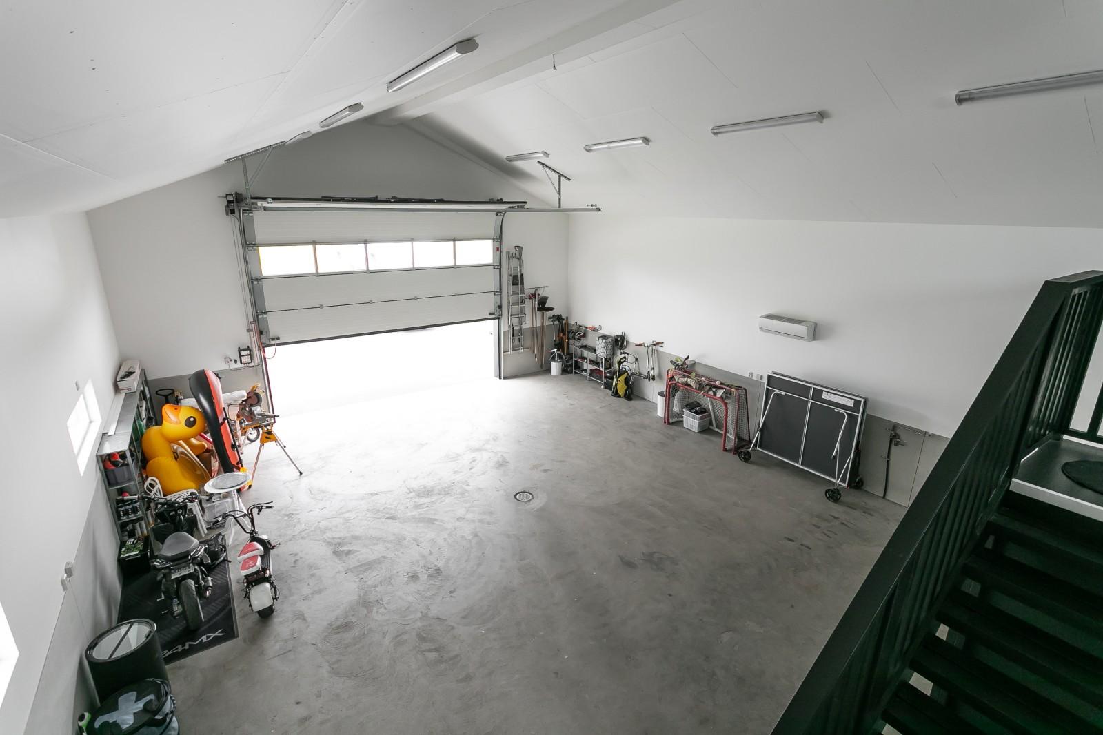 Garage - Maskinhall..
