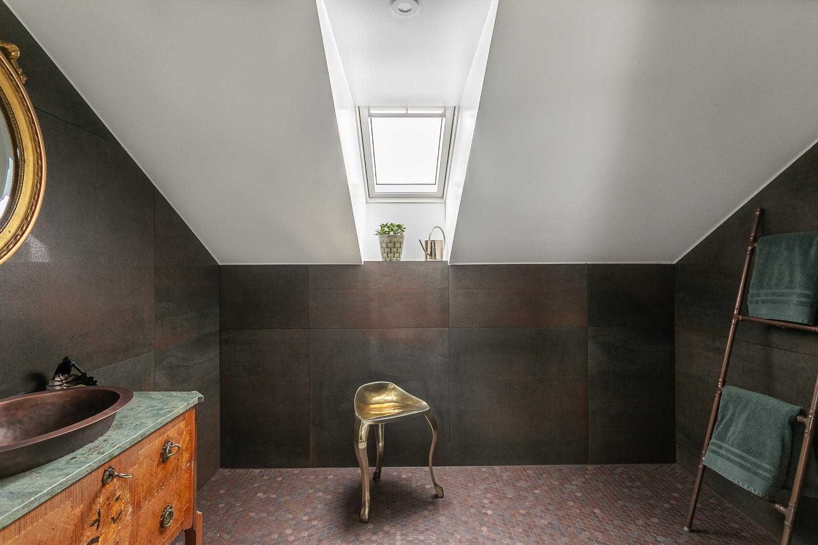 Dusch och WC på vinden..