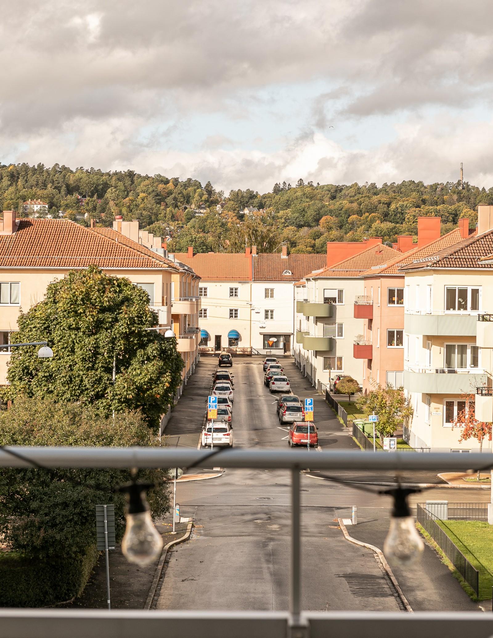 Balkongen i väster..