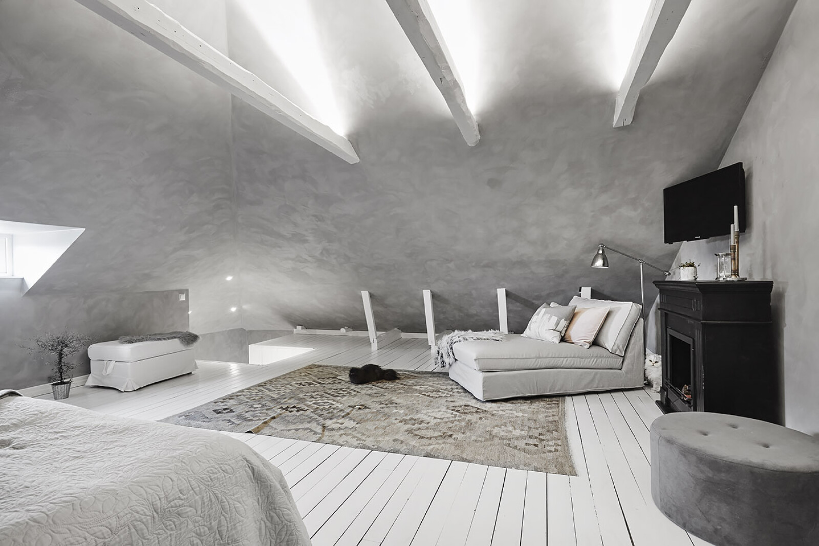 Allrum - sovrum på vindsplan..