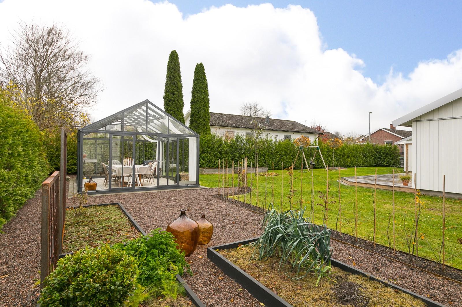 Trädgård - Uteplats..