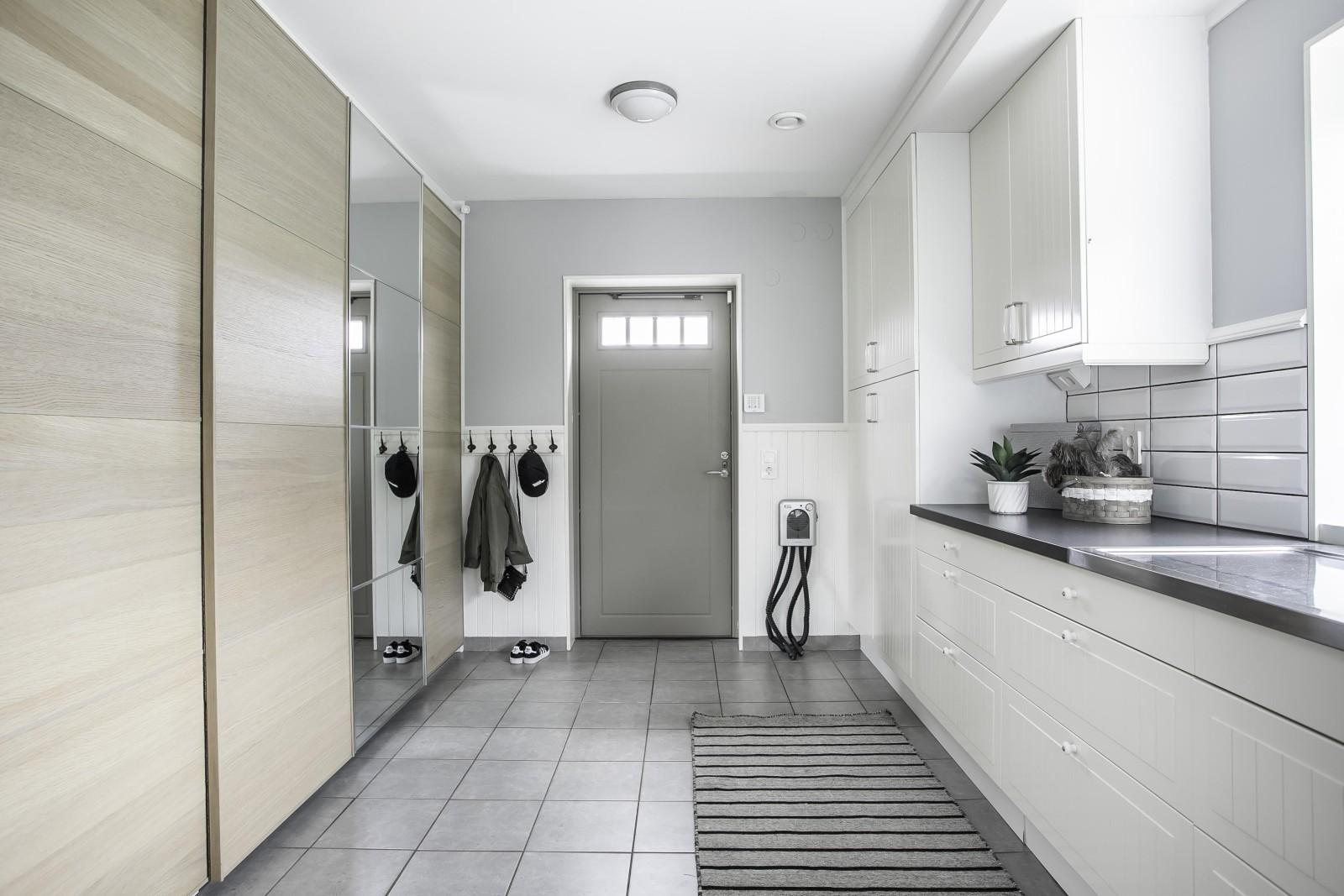 Groventré - Tvättstuga..
