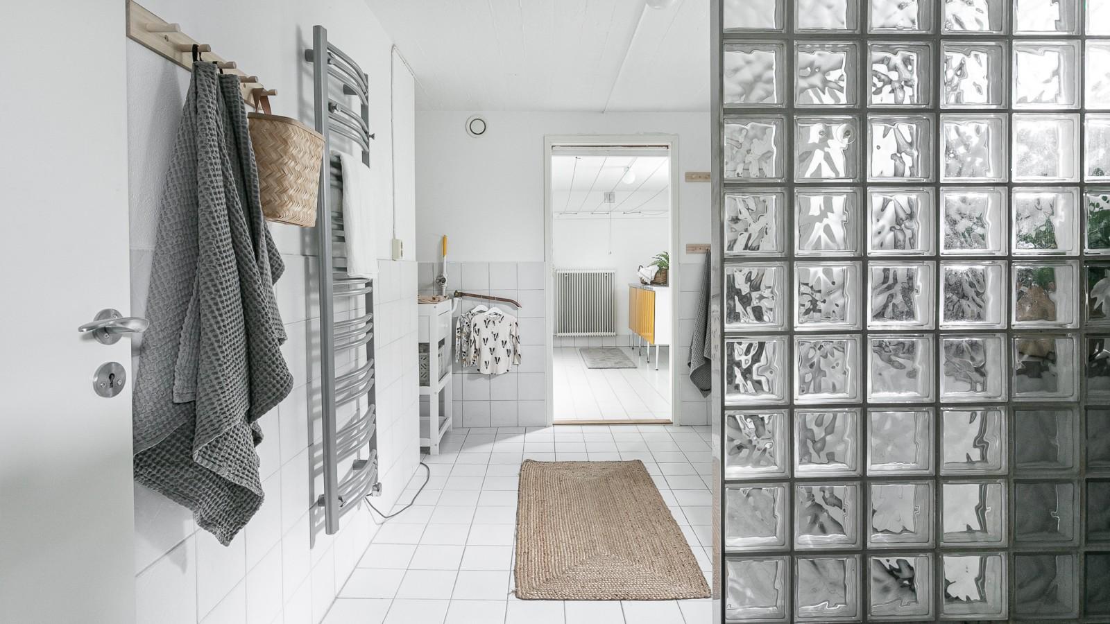 Tvättstuga och dusch..